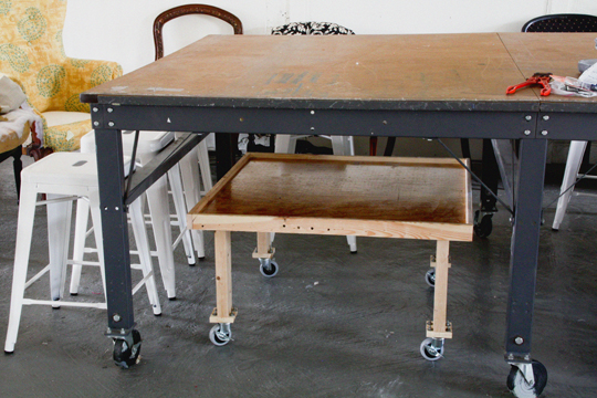 Upholsterers lock and load rolling workbench modhomeec more watchthetrailerfo